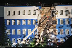 Обрушение казармы в Омске