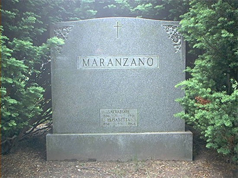 Могила Сальваторе Маранцано на кладбище в Куинсе