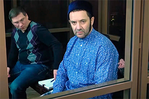 """Лидер ОПГ """"Центровские"""" и имам-хатыб (руководитель пятничной проповеди в мечети) Азат Зарипов"""