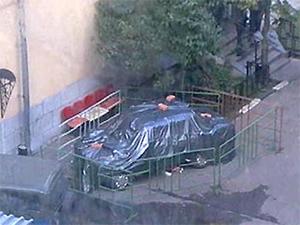 Машина в которой Пуманэ установил взрывчатку