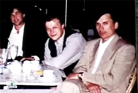 Слева направо: криминальный авторитет Черкас, Юрий Шефлер, курганский лидер Виталий Игнатов