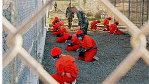 В военных тюрьмах США издеваются над заключенными фото