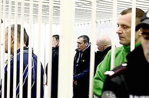 Члены банды Мариянчука на скамье подсудимых. Некоторые из них уже отсидели положенный срок и вышли на свободу