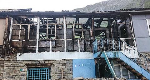То, что осталось от дома Рамазана Джалалдинова после пожара