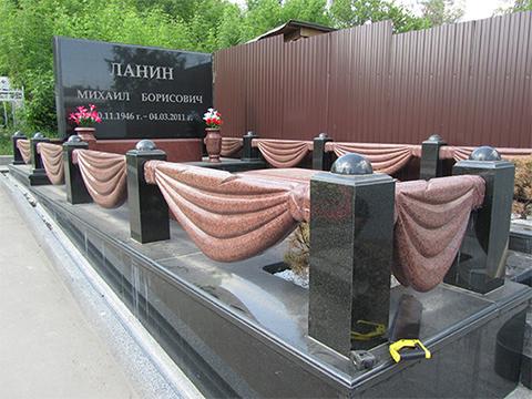Могила Михаила Ланина