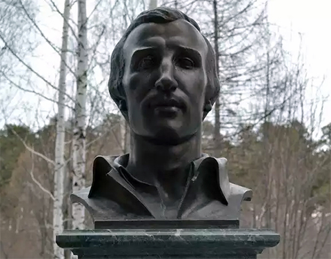 Бюст на могиле Григория Цыганова