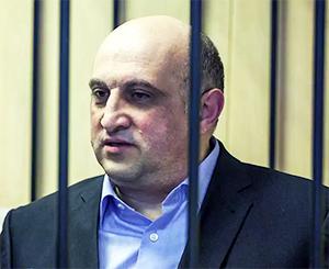Вице-губернатор Новгородской области Арнольд Шалмуев