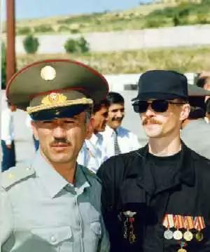 Слева Сухроб Касымов