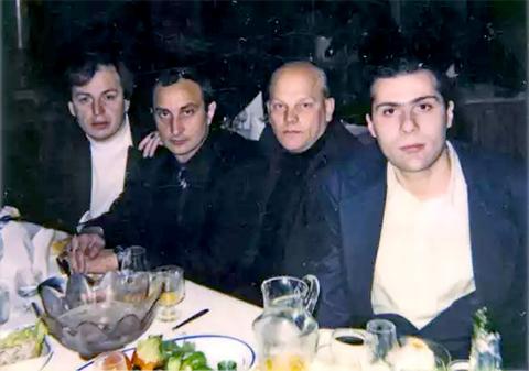 Слева: воры в законе Отари Тоточия, Торчик Сухумский, авторитет Податев, вор в законе Валера Тбилисский