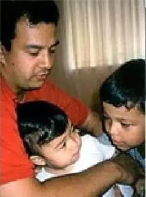 Мансур Максуди с детьми