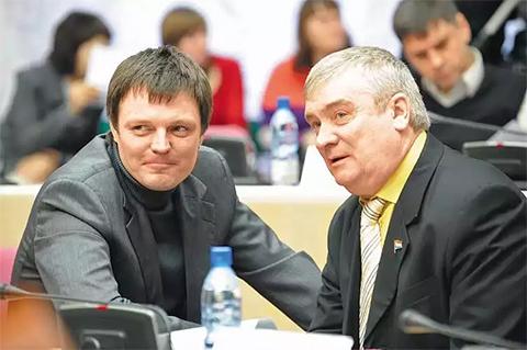 Слева: Михаил Родионов