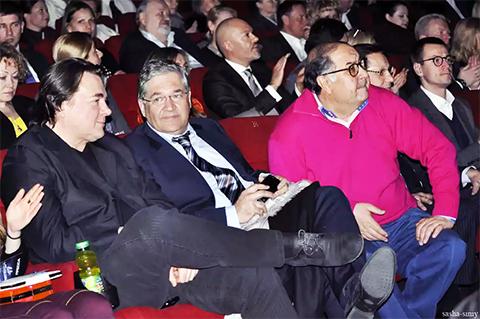 Слева: Константин Эрнст, директор ВГТРК Олег Добродеев, Алишер Усманов