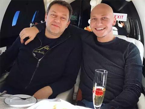 Слева: Сергей Яралов