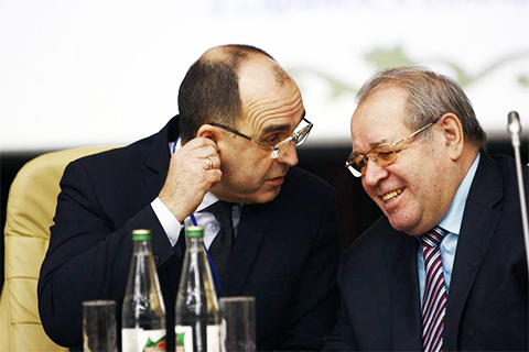 Слева: Анатолий Чушкин и Кабир Альмяшев