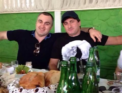Слева воры в законе: Давид Газзаев (Дато Осетин) и Мамука Чкадуа (Мамука Гальский)