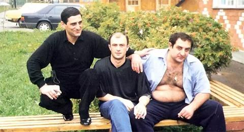 Слева воры в законе: Дато Джапаридзе, Тенго Луарсабишвили и Георгий Джанезашвили (Амберкич), город Иваново