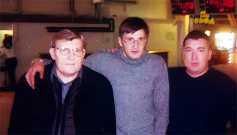 Слева воры в законе: Владимир Баркалов (Блондин), Олег Плотников (Плотник) и Олег Рогачев (Рогаченок)