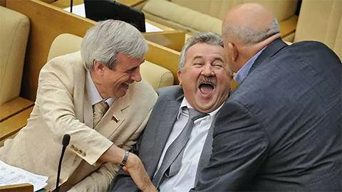 Евгений Москвичев в зале заседаний Госдумы