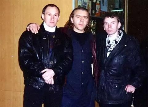 Слева: Валера Плохиш, воры в законе: Андрей Расписной и Вова Щавлик