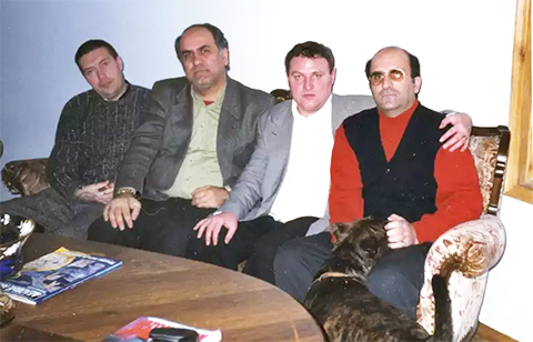 Слева: вор в законе Трофа, Анзор Мамедов, вор в законе Александр Громоздин (Гром) и вор в законе Кароглы Мамедов