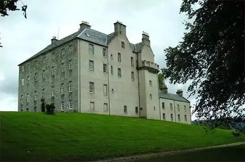 Шотландский замок Грант XV века, купленный Сергеем Федотовым