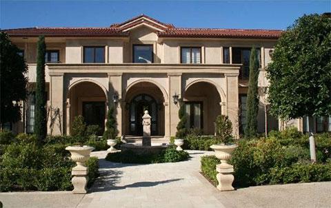 Дом Лесиных в районе Брентвуд, площадью около 980 квадратных метров и стоимостью 9 млн долларов