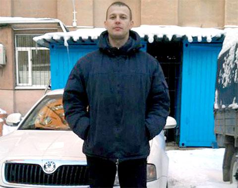 Подрабатывавший в такси сотрудник кардиоцентра Роман Зимин был застрелен, как и другие таксисты, через спинку водительского сиденья