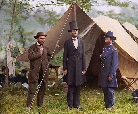 Слева: Алан Пинкертон и Авраам Линкольн