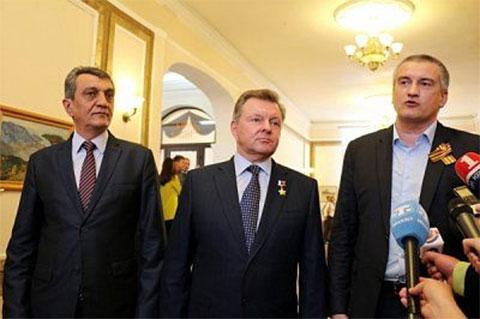 Слева: Сергей Меняйло, Олег Белавенцев и Сергей Аксенов