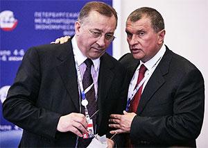 Слева: Никoлaй Тoкapeв и Игopь Сeчин