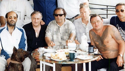 Слева воры в законе: Короглы Мамедов (Каро), Акакий Биланишвили (Како), Тристан Сичинава (Тристан), 5) Александр Громоздин (Гром)