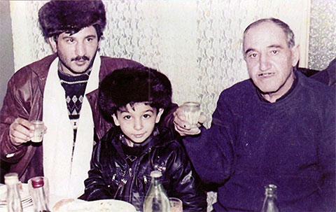 Слева воры в законе: Акиф Мирзоев (Акула Раманинский) и Нариман Алиев (Дед Фаик Ереванский)