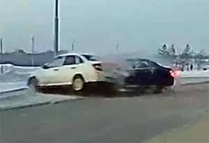 Авария на Иртышской Набережной в Омске