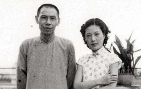 Ду Юэшэн и его пятая супруга, актриса пекинской оперы Мэн Сяодун, 1950 год