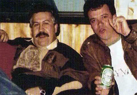 Слева: Пабло Эскобар и Джон Васкес