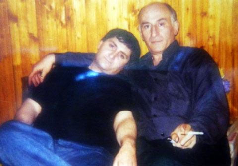 Слева воры в законе: Вахо Эхвая и Рауль Гогилава