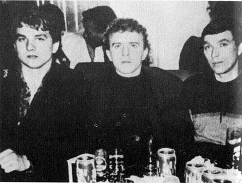 Слева: Александр Сухоруков, вор в законе Андрей Исаев (Роспись)
