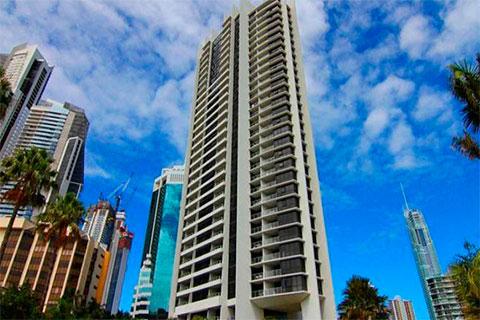 Один из небоскребов Avalon Apartments, в котором расположены апартаменты Штенгеловых