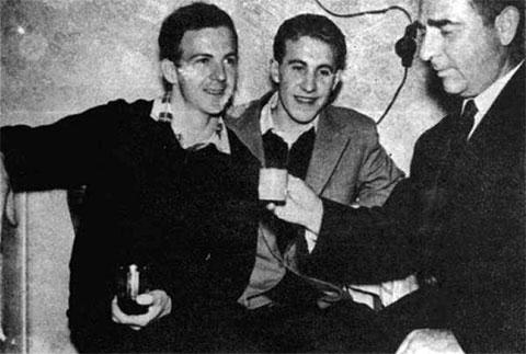 Слева: Ли Харви Освальд