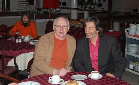 Валерий Баринов и Мухтар Гусенгаджиев трапезничают