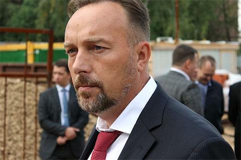 Сергей Миронов сбежал за границу сразу после ареста своего босса