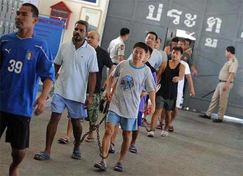 Так приводят новых арестантов в Тайскую тюрьму