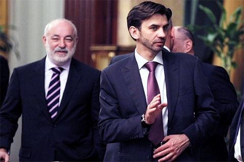 Слева: Виктор Вексельберг и Михаил Абызов
