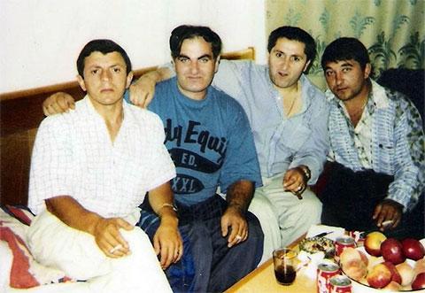 Слева воры в законе: Илья Симония (Махо), Теймураз Синаташвили (Мафия), Вахтанг Эхвая (Вахо Очамчирский), Андрей Мурашов (Мураш)