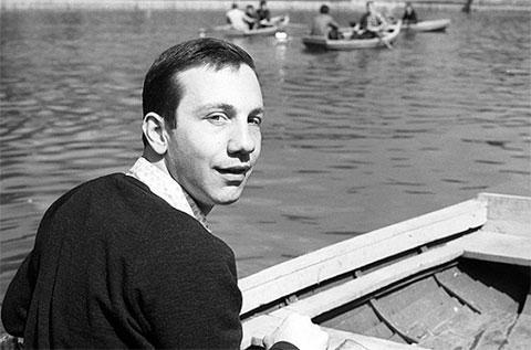 Савелий Крамаров в молодости