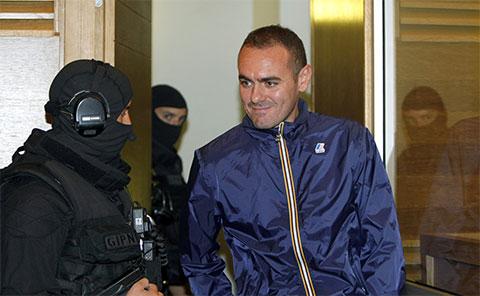 Антонио Ло Руссо, лидер неаполитанской Каморры, в суде Экс-ан-Прованса на юге Франции