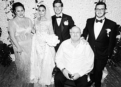 Семья Церцвадзе (слева направо): жена Мака, сноха Сарина, старший сын Торнике, глава семейства Гела, младший сын Лука