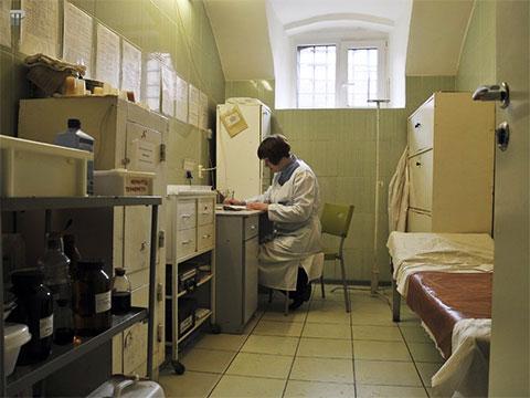 Медицинский кабинет в Крестах