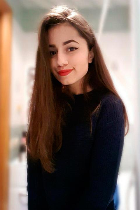 18-летняя Ангелина Хачатурян нанесла не менее десяти ножевых ранений отцу