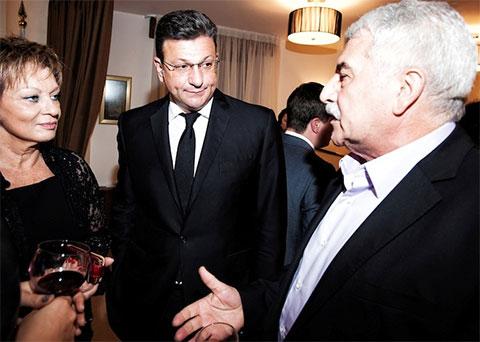Давид Каплан (в центре), бывший посол Израиля в РФ Дорит Голендер-Друкер и бывший вице-консул посольства Государства Израиль в РФ Элик Голендер